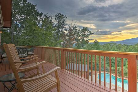 Redesigned Cabin w/ Private Pool - 6 Mi to Helen!