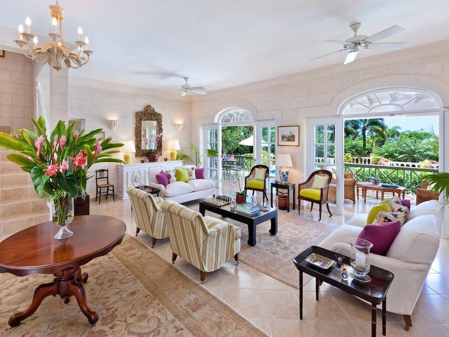 A Magnificent Four Bedroom Private Villa Villas For Rent