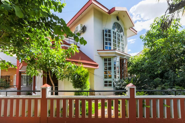 Family Villa with 3 bedrooms CFTRI Layout Mysore