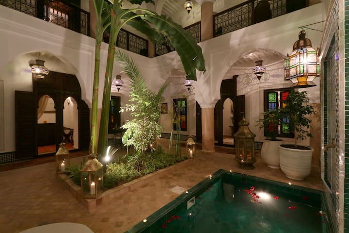 Super central riad in exclusivity with pool