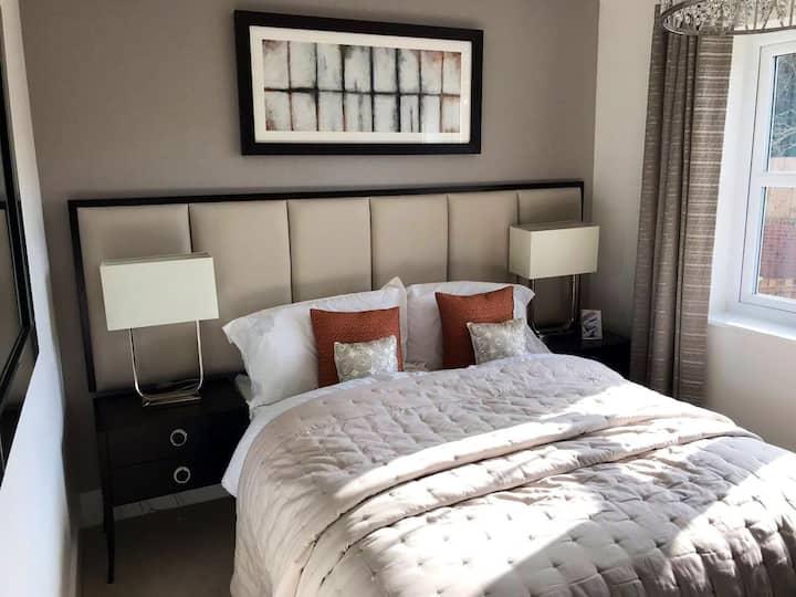 Luxurious&Spacious Bedroom 10MinsDrive2Durham