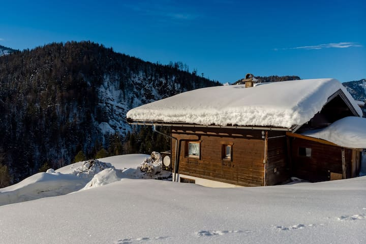 Lovely Chalet in Sankt Ulrich am Pillersee near Ski Area