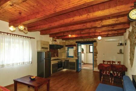 2 Bedrooms Cottage in Kamena Vas - Kamena Vas