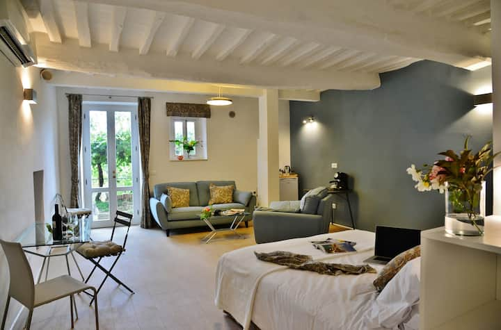 Pieve Suites-Garden: luxury studio with garden