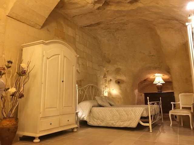 La Dimora Rupestre, a typical Sassi cave-dwelling - Matera - House