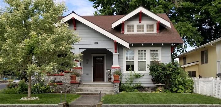 Cozy Craftsman Clarkston home
