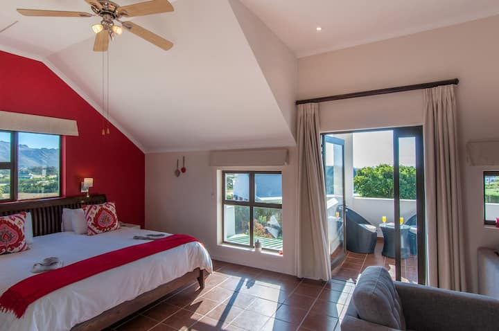 Deluxe room - ocean and mountain view
