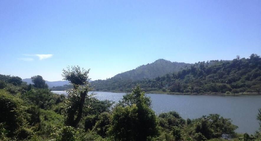 River Side villa - แคนดี้ - วิลล่า