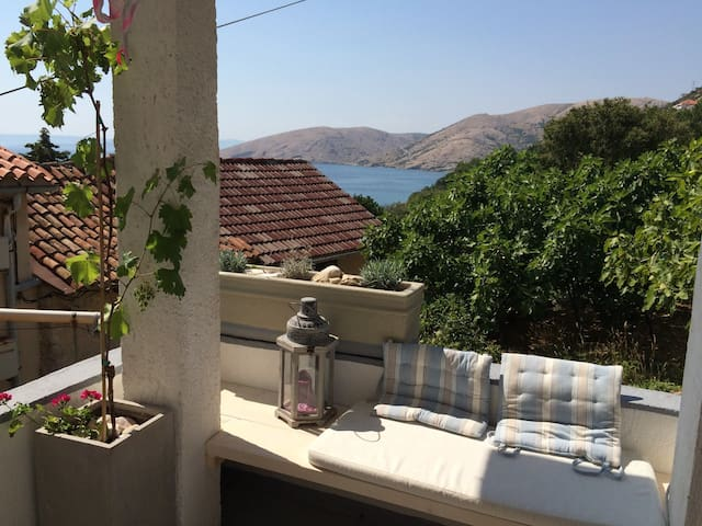 Apartment 50m from the beach - Stara Baška - Apartment