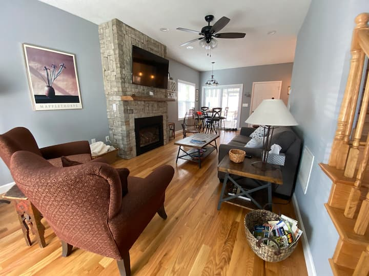 Charming New 2 BR in Black Mountain