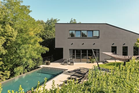 Modern designer Villa Nancy with infinity pool