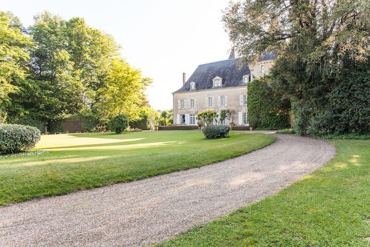 Chateau Labattut - Saint-Astier - Zamek