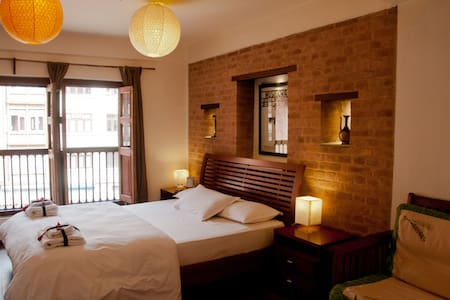 Independant Bedroom in beautiful Newari  House - Patan - Rumah