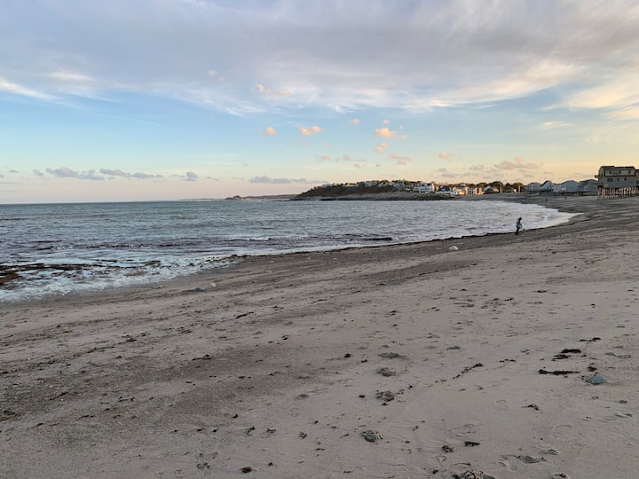 Walk to Scituate Harbor, Peggoty Beach...3BR/2BA