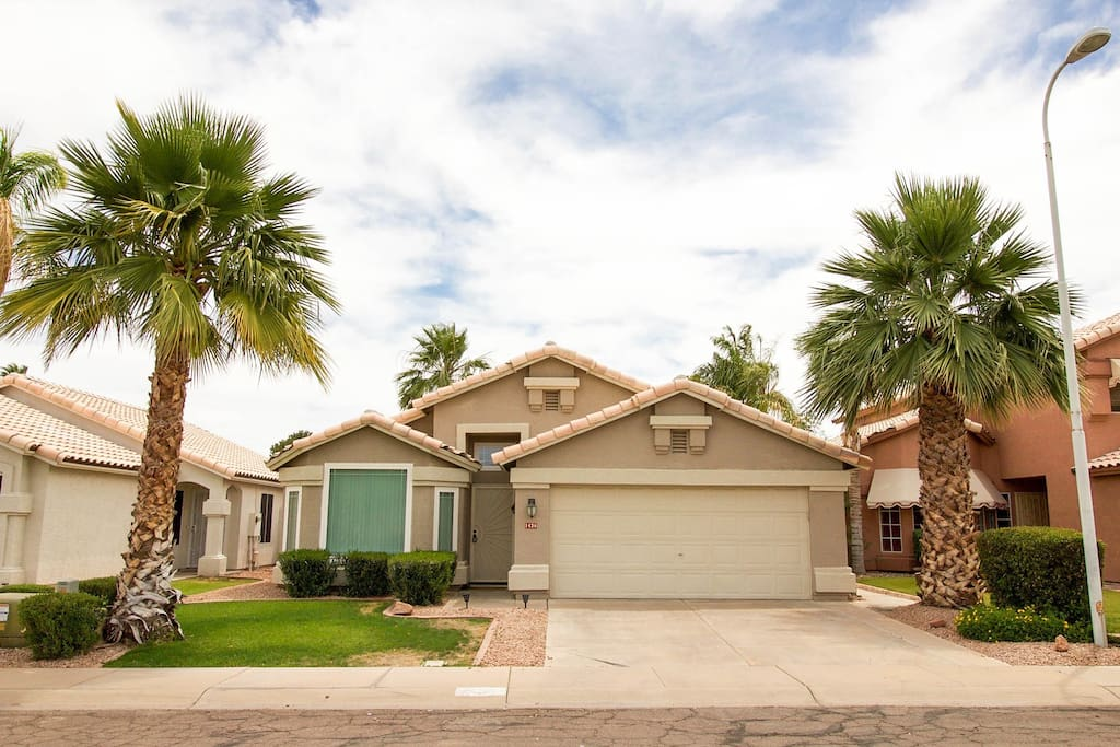 Welcome to Chandler! House on Cul-de-sac in extremely friendly and safe neighborhood