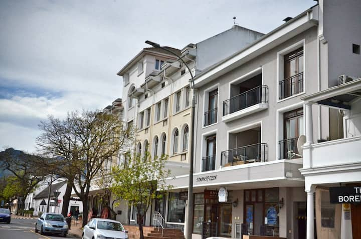 Simonsplein Apartment, Central Stellenbosch