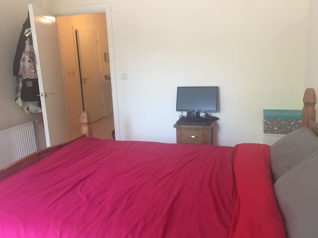 Double room clean and tidy available