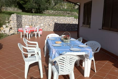 Delicius cottage sea view next to Formia, - Formia - House