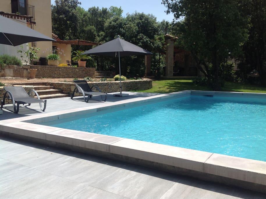 La piscine chauffée idéale pour la détente.