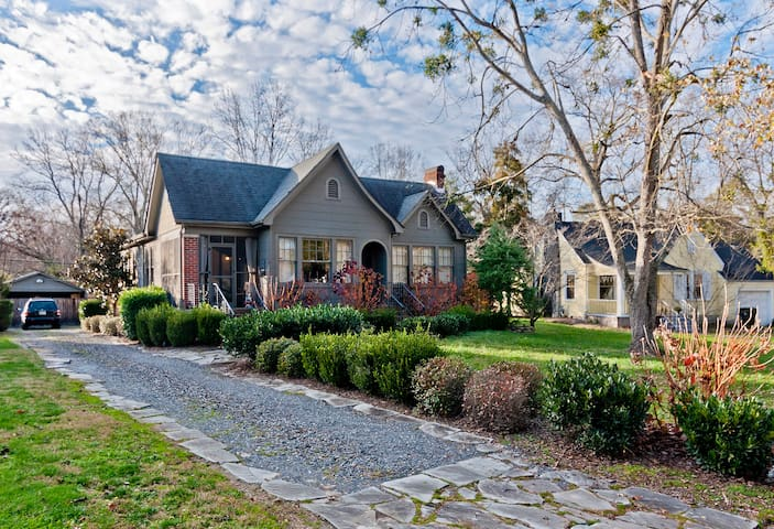 Charming 1930s home 1/2 mile from interstate - Chattanooga - Casa