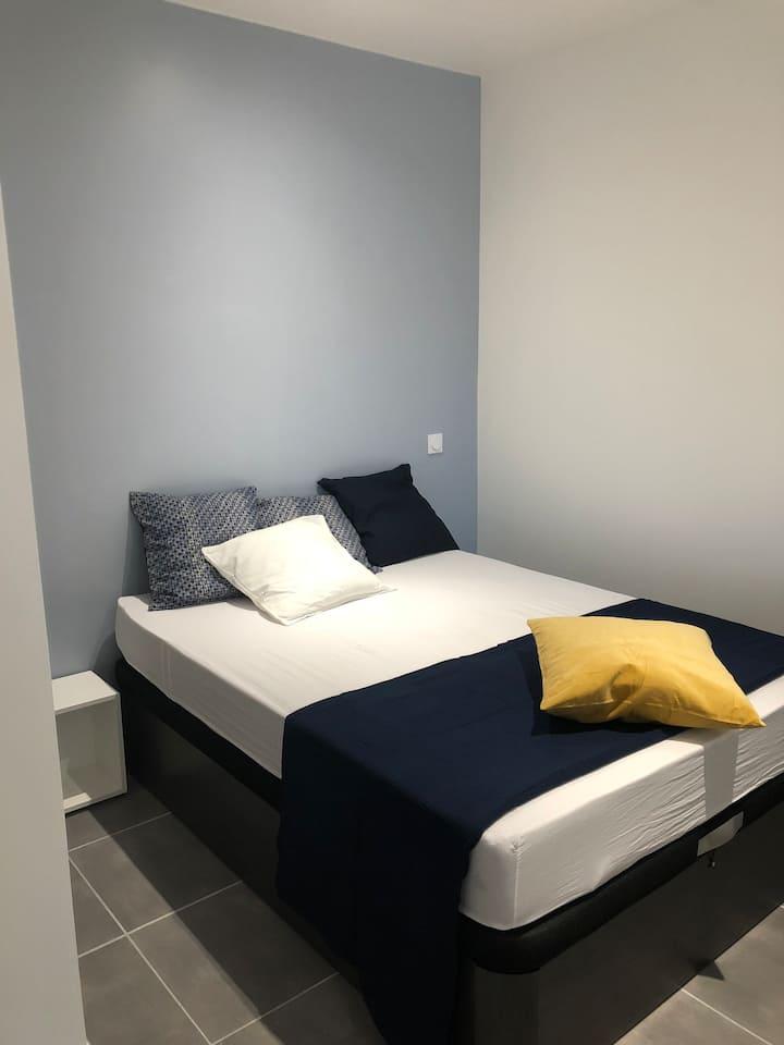 Bel appartement tout confort avec petit extérieur