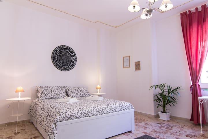 Maison Ortigia -Suite Apartment in Ortigia-Wifi&TV - Syrakus - Wohnung