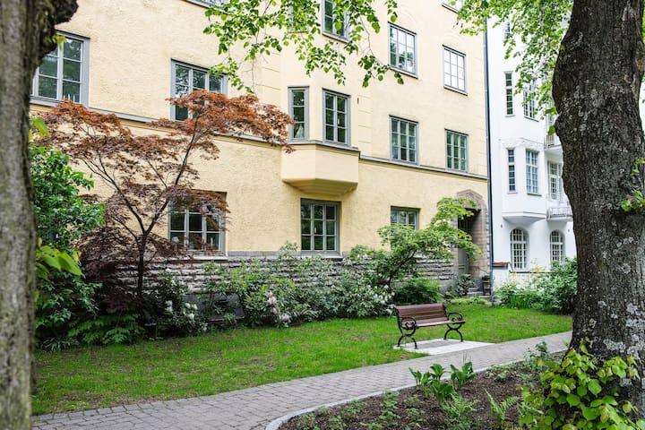 Cosy apartment at Karlbergsvägen