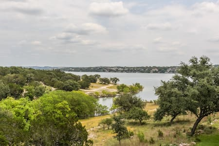 Perfect Getaway on Lake Travis - Point Venture - Reihenhaus