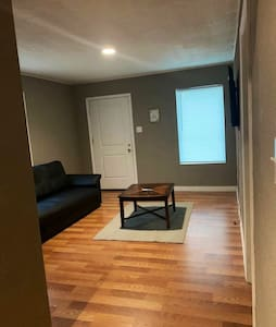 Cozy Apartment close to Downtown and Bishops Arts