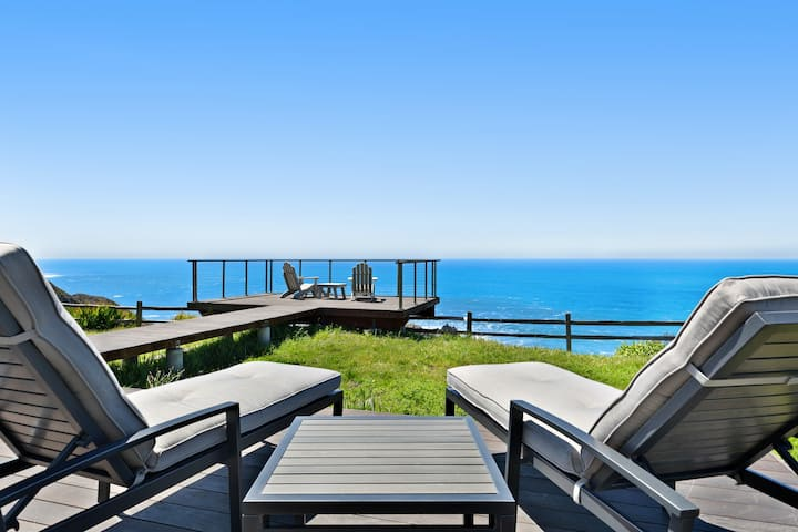 Oceanfront cottage w/deck, stunning 180-degree views & 7.5 acres