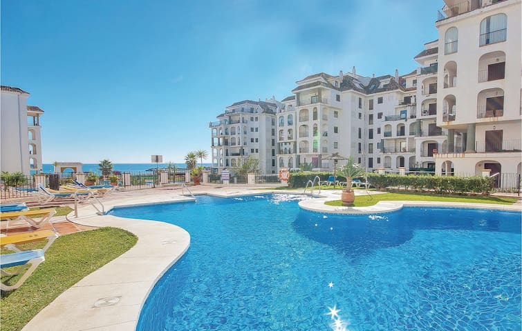 Holiday apartment with 3 bedrooms on 85m² in Puerto de la Duquesa