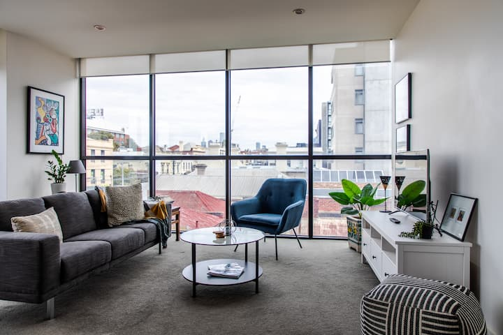 Stylish 1BD Hideaway in Bustling Richmond