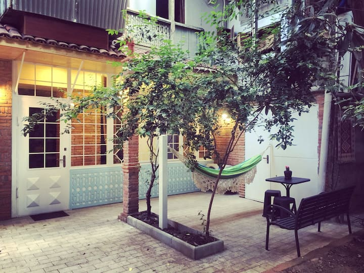 Great apartment in Old City-L. Gudiashvili Square.