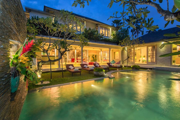 Villa in the heart of the famous and cosmopolitan Seminyak area | Elevate