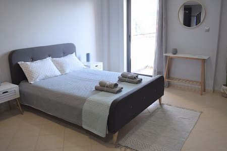Double bed,new,2nd floor apartment-OAKA
