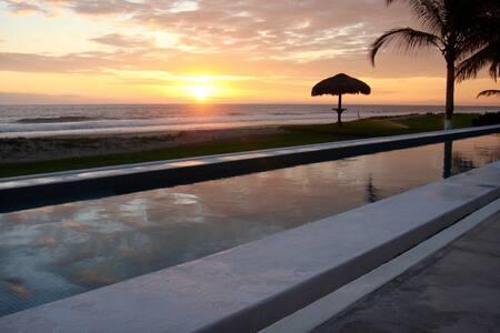 Front Beach Villa, Costa Cumana, Puerto Escondido