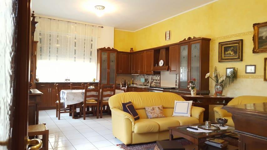 Stupenda villetta in centro - Ugento - Huis