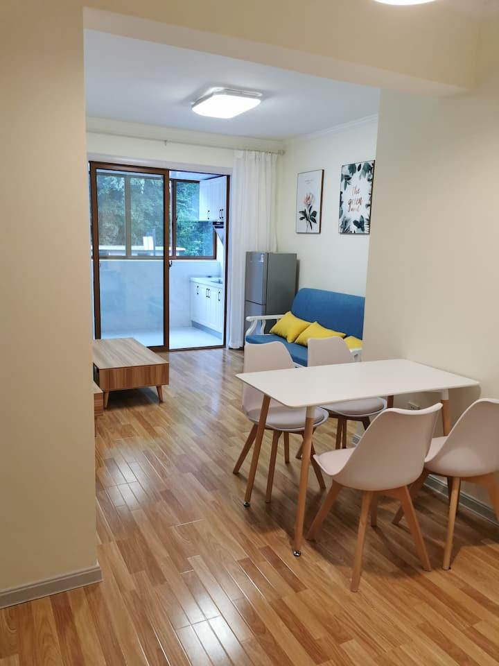 神农架林区木鱼镇最大的小区,最好的小区环境!最干净的房间,还有最热情的房东!