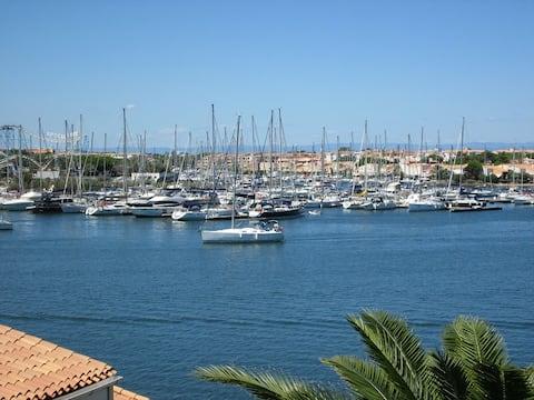 Sudio vue mer avec parking privé