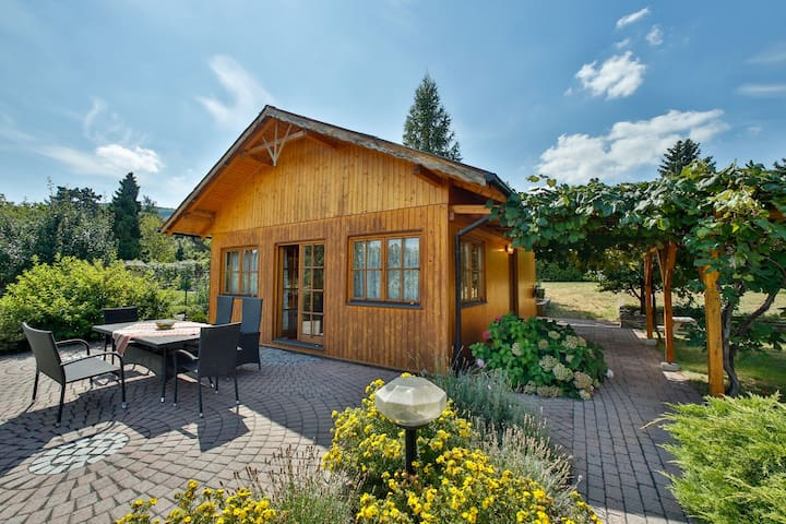 Romantic Garden Cottage - Klosterneuburg - เกสต์เฮาส์