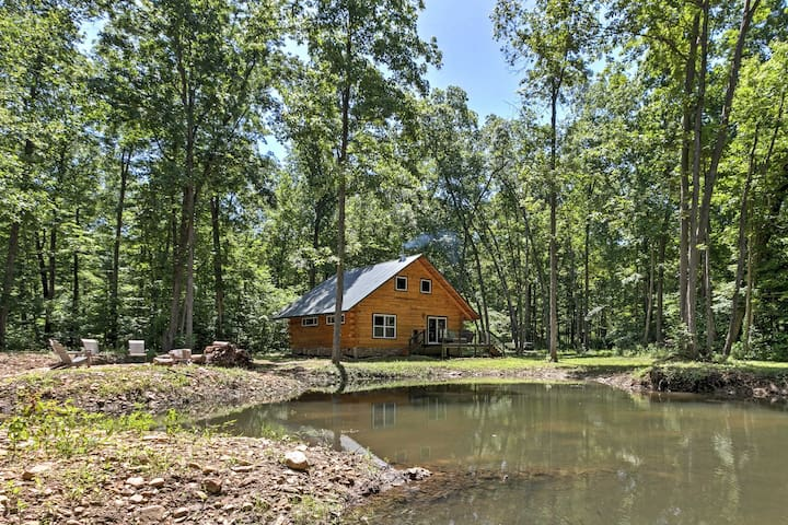 NEW! 1BR Lyndhurst Cabin on Farm w/Private Pond!