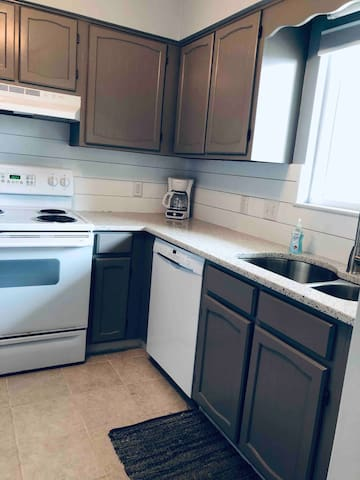 New countertops and backsplash (2019)