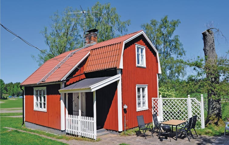 Holiday cottage with 2 bedrooms on 69 m² in Moholm