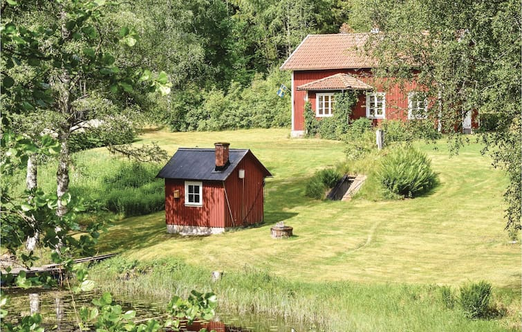 Holiday cottage with 2 bedrooms on 93m² in Grums