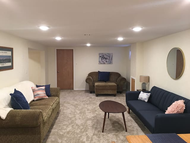 Spacious New Remodel 2BR Apt in Heart of Missoula