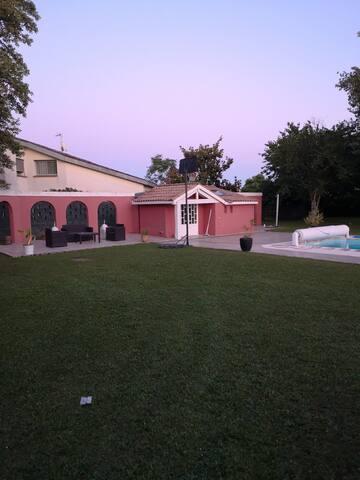 Dépendance 30m2 à Toulouse piscine comprise