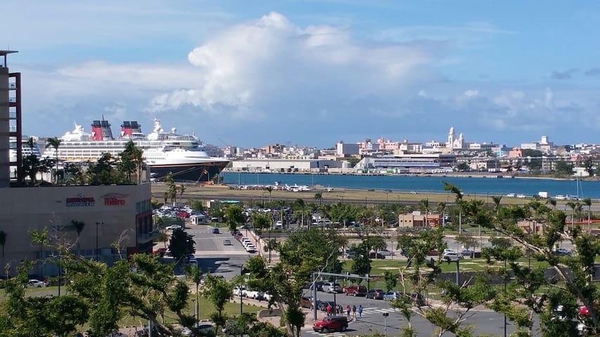 Enjoy San Juan from Comfortable apt Charming Views