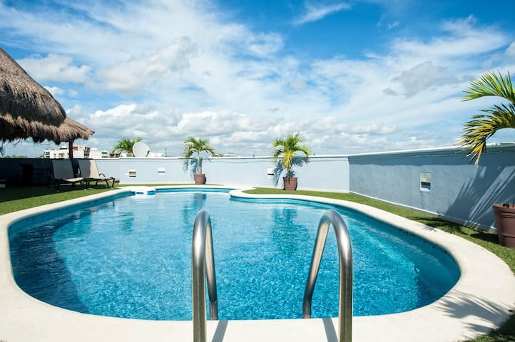 Great Penthouse +Amazing Private Pool+Beach Club!