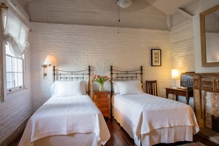Private Suite/Bath Overlooking Courtyard In Treme - New Orleans