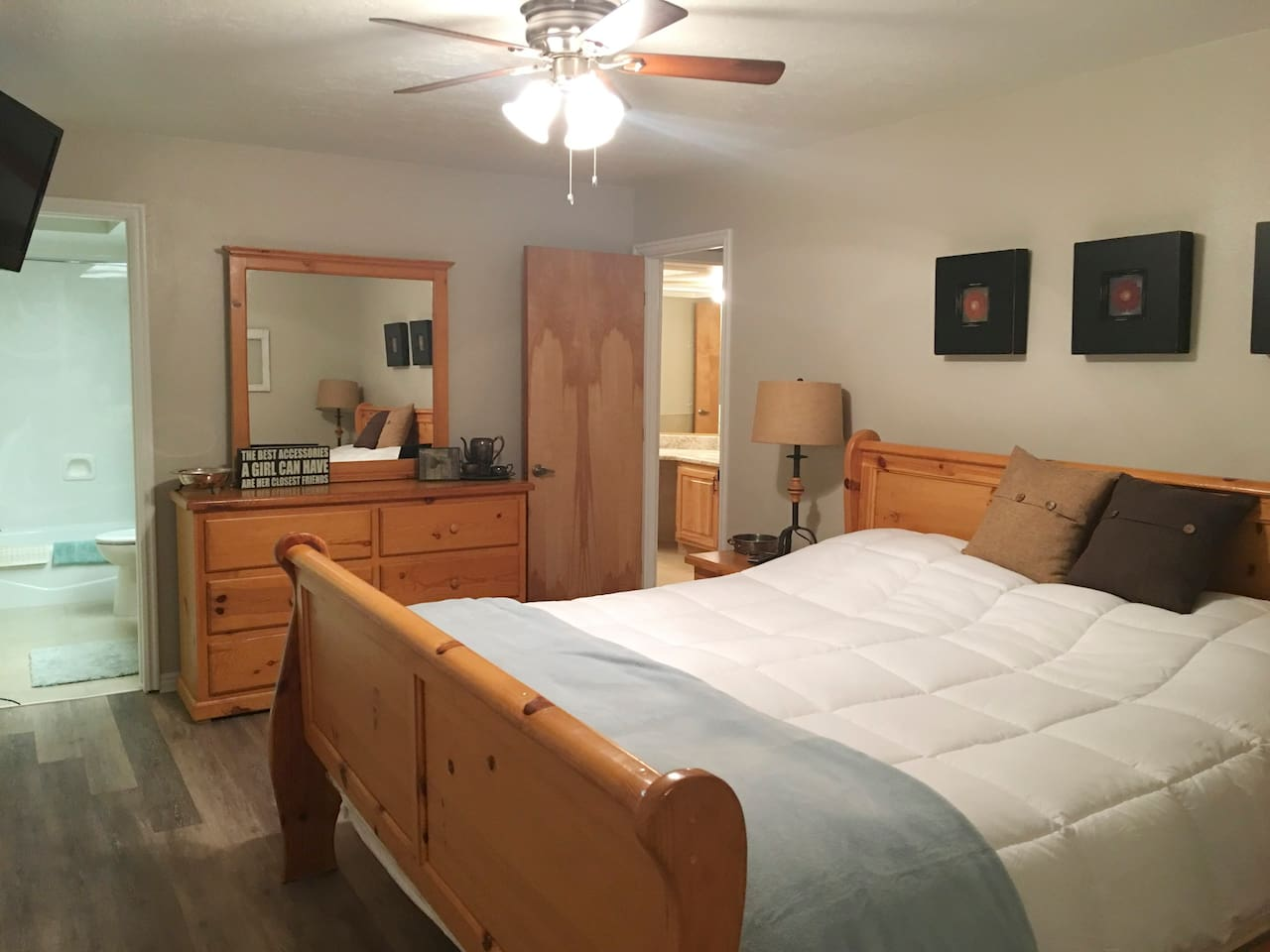 King Bed Master with Private Bathroom